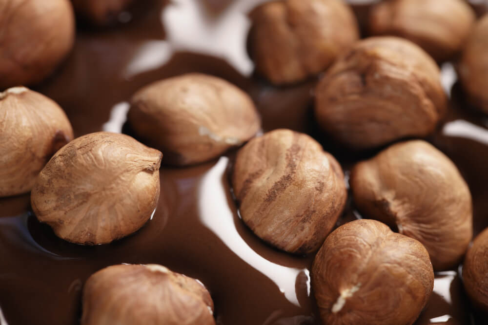 Why is it worth including nuts in your daily diet?
